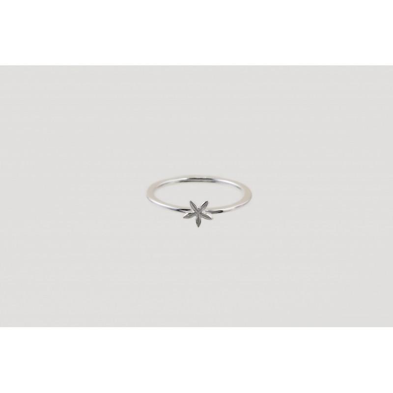 Star Blossom ring silver