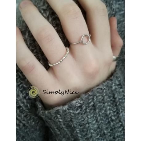 Silver bulbs ring