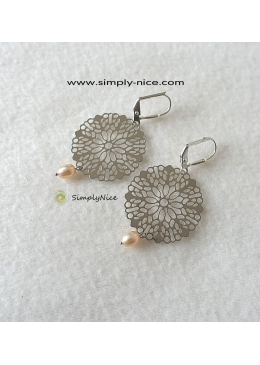 Mandala with drop pearl earrings silver