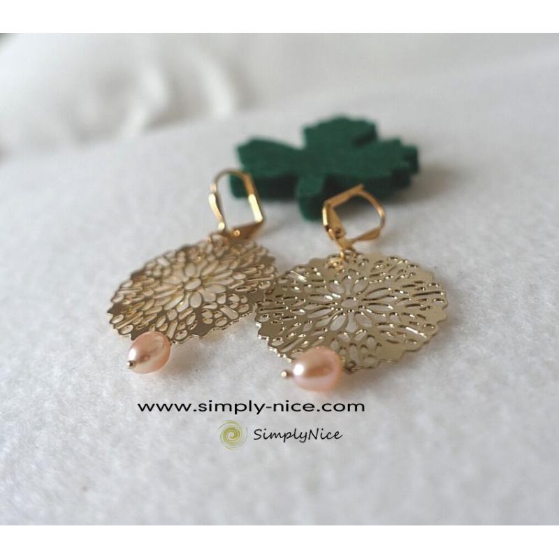 Mandala with drop pearl earrings gold