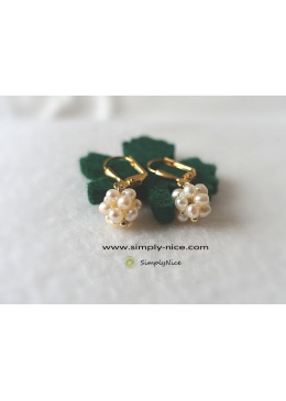 Raspberry blossom earrings gold